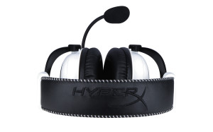 HyperX Cloud _white_Cloud_white-headset-top_hr_03_07_2014 10_42